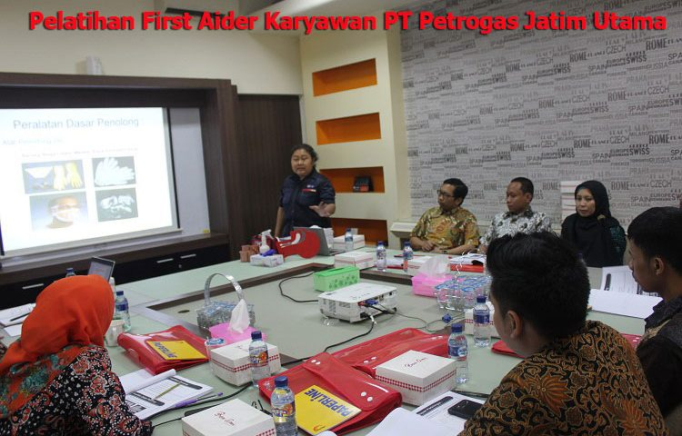 Pelatihan First Aider Karyawan PT Petrogas Jatim Utama